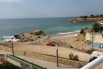 SE VENDE Atico con vistas al mar en 1era línea